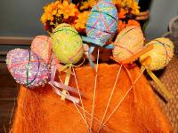 Декор на палочке 6 штук крупных цветных яиц