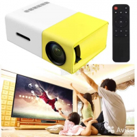Мини-проектор Led Projector YG-300