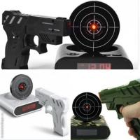 Будильник - мишень с лазерным пистолетом