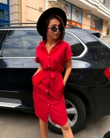 Платье на пуговках с ремешком красное AZ116