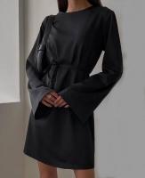Платье с пояском черное O114